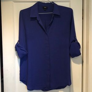 Blue dress shirt with cuffed sleeves size L